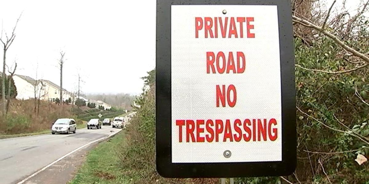 Developer threatens to close private road that thousands travel