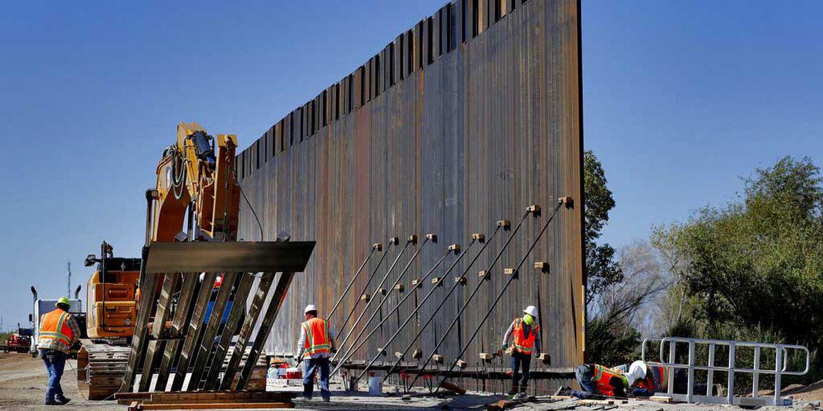 El muro fronterizo de Trump toma forma en Arizona