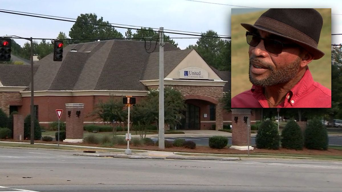 Georgia doctor says bank employees called police on him while trying to open account