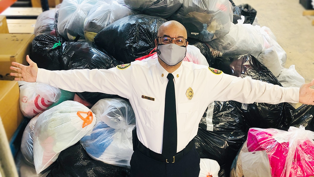 Charlotte Fire brings thousands of donated coats for kids in need