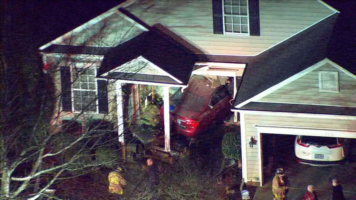 MEDIC: Person seriously hurt after car crashes into house in Huntersville