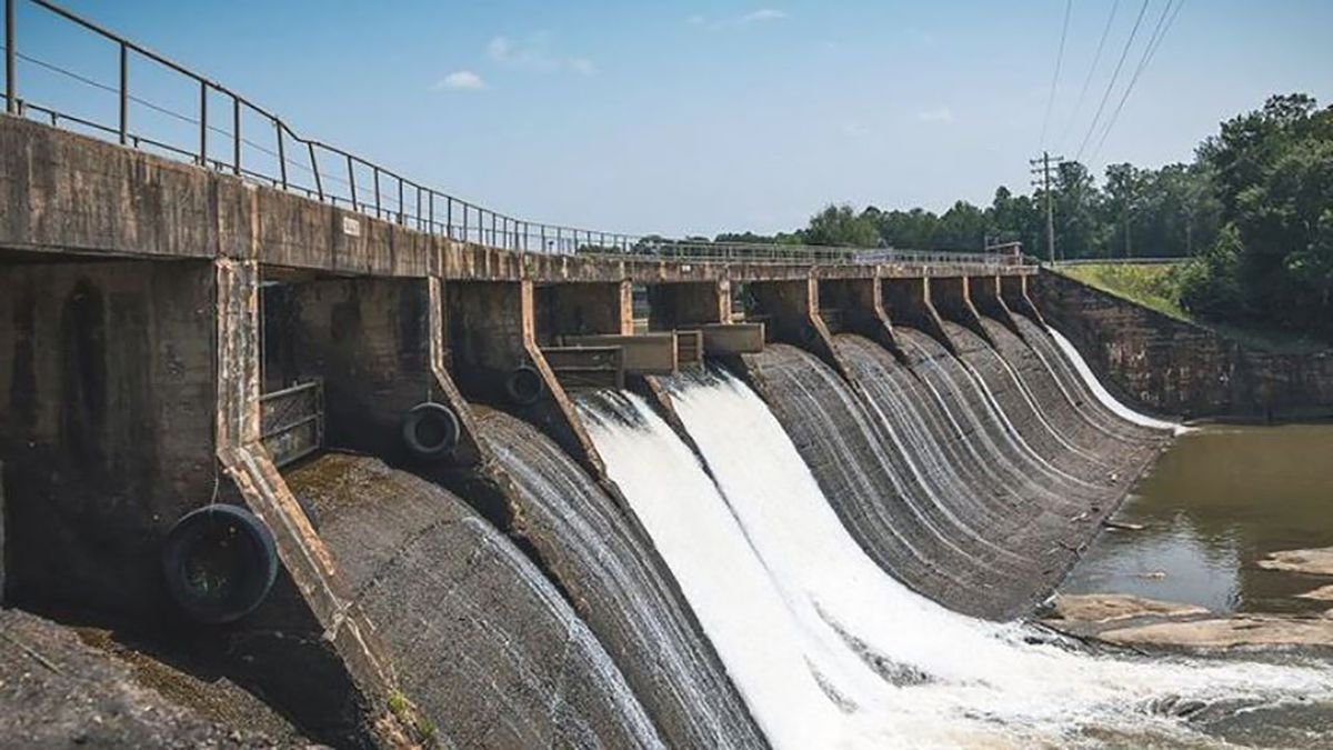 Duke Energy to sell five small hydro plants at a $40M loss