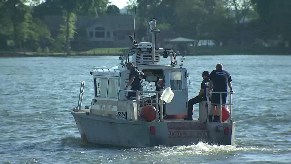 Crews searching for missing swimmer last seen jumping off boat in Lake Norman