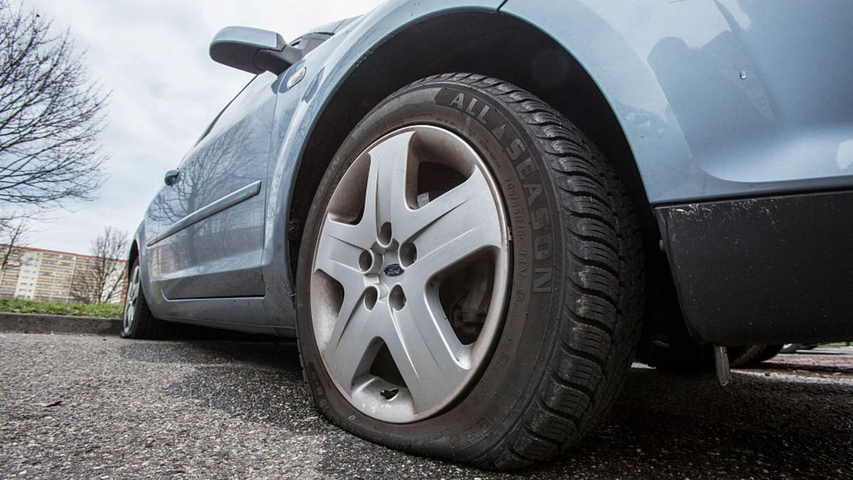Off-duty Pennsylvania police officer accused of slashing tires after being denied liquor