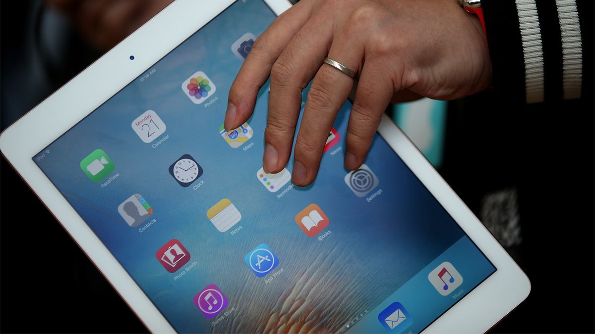 Apple update meant to fix bugs may lock iPads