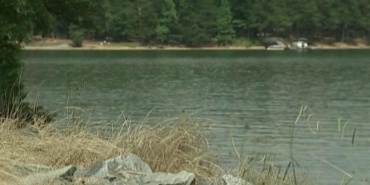 No swimming allowed in Mountain Island Lake cove after sewage spill