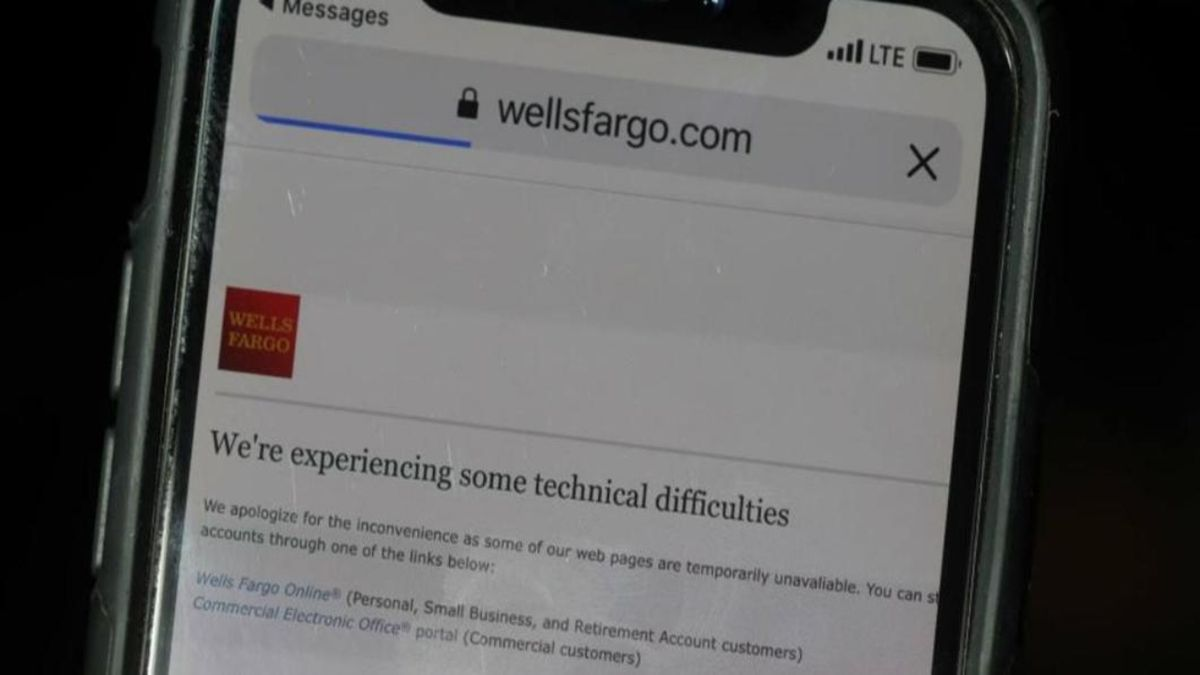 Wells Fargo reports outages to online, mobile banking apps