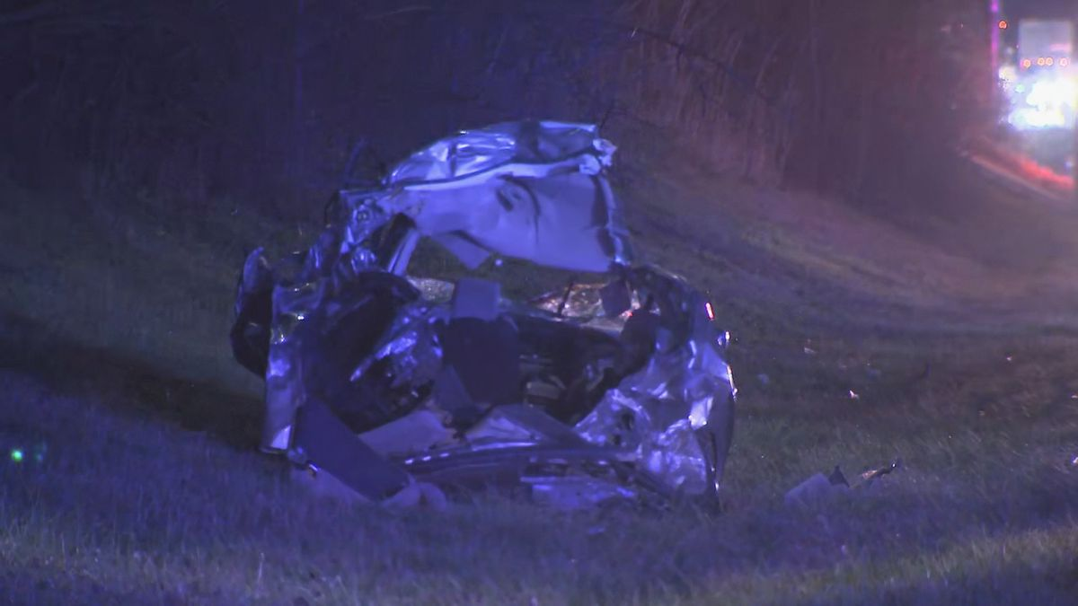 Huntersville firefighters pull crash victim from wreckage on I-77