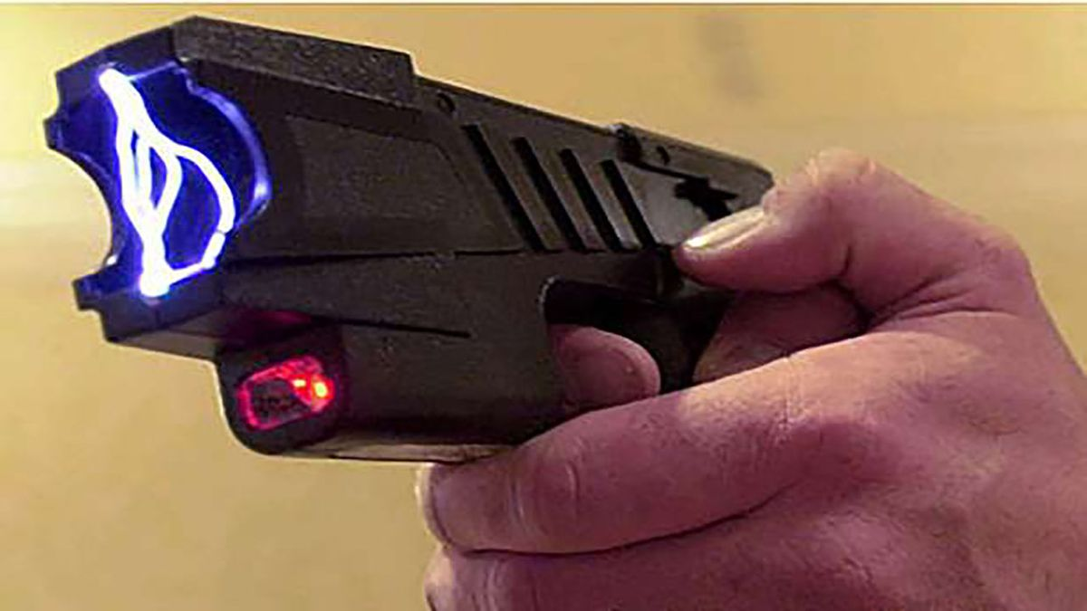 Man dies after being shocked with Taser 15 times, deputies face no charges