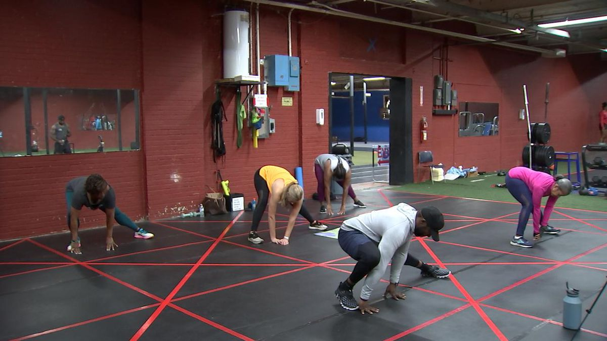 Local woman hosts workout to show how exercise can help people's mental health