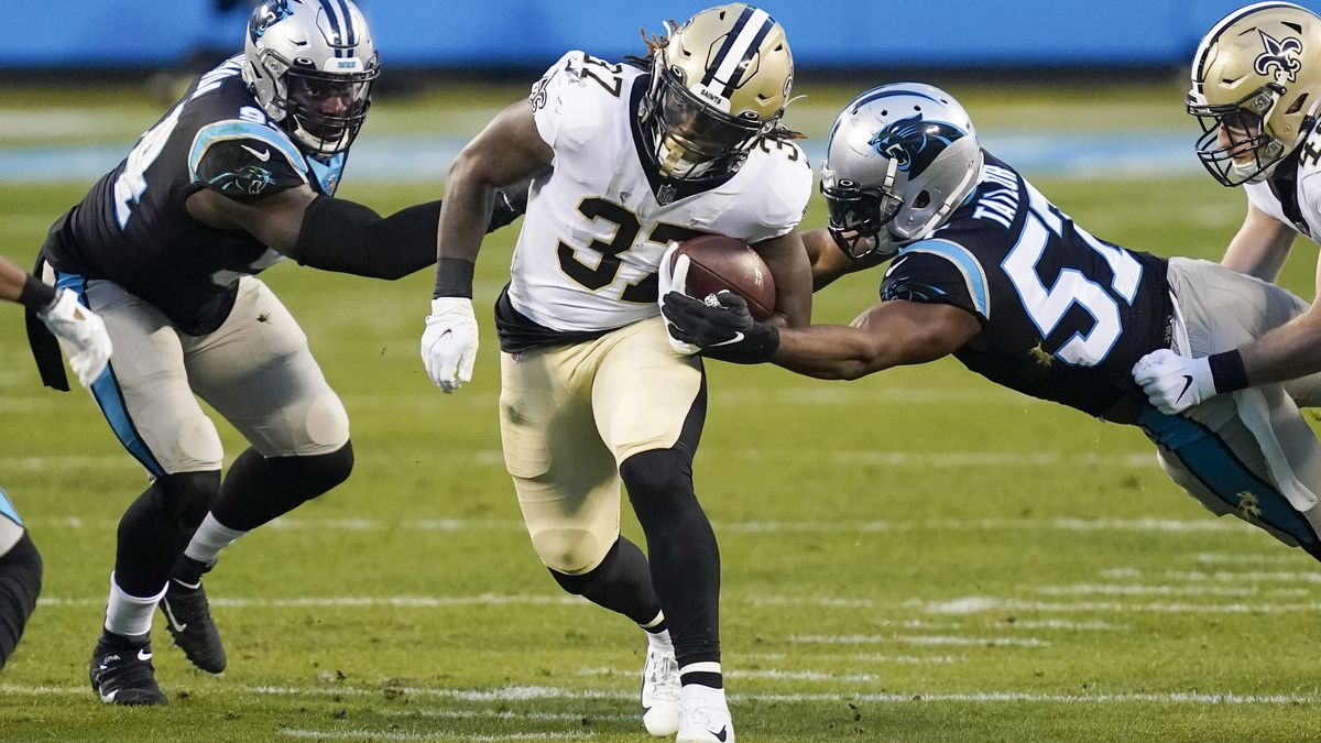 Saints rout Panthers 33-7 to earn No. 2 seed in NFC playoffs