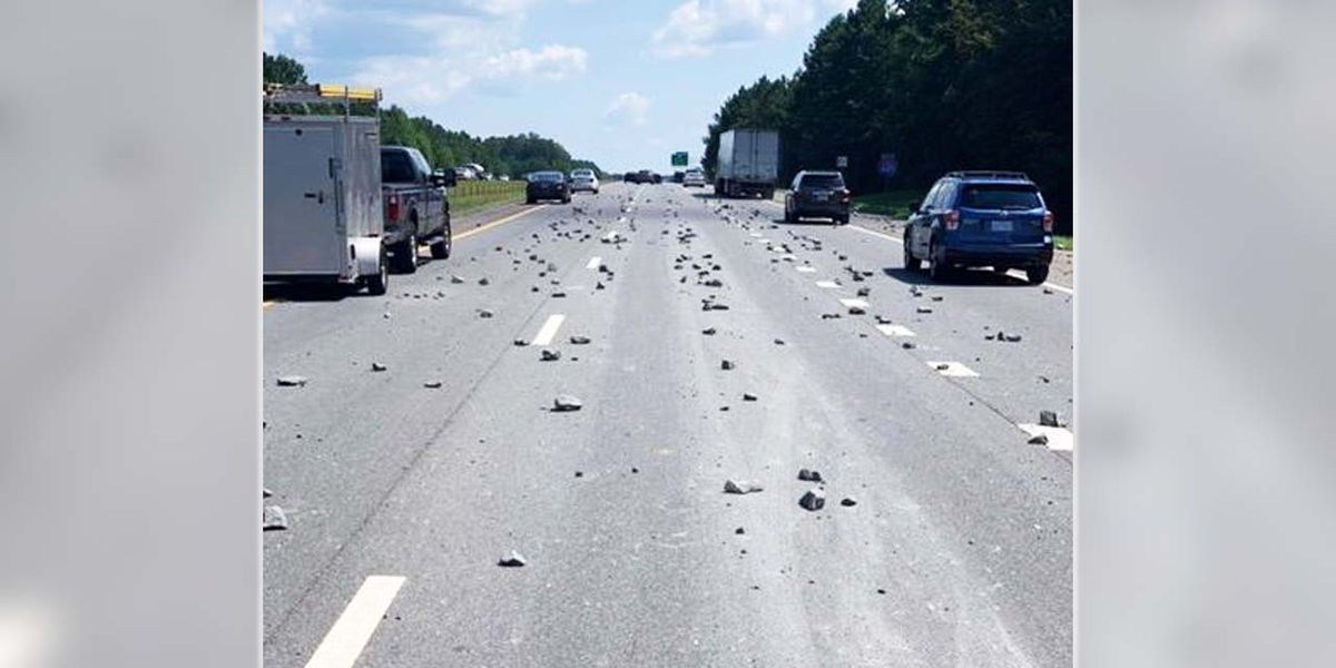 Drivers swerve to dodge large rocks in middle of I-485 in Matthews