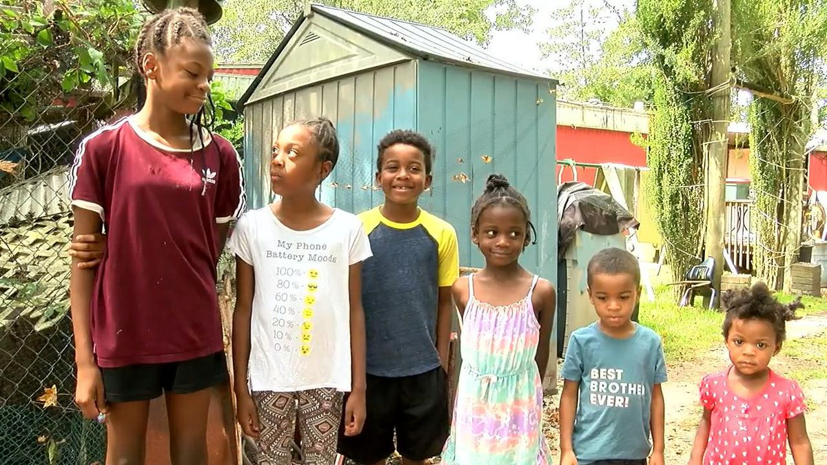'A hero': 12-year-old girl saves siblings from SC mobile home fire