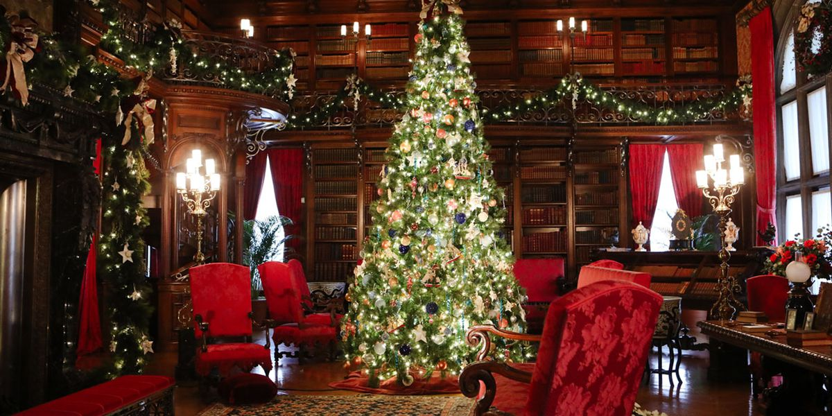 Christmas with the Crawleys: Biltmore's holiday display adds a touch of 'Downton Abbey'