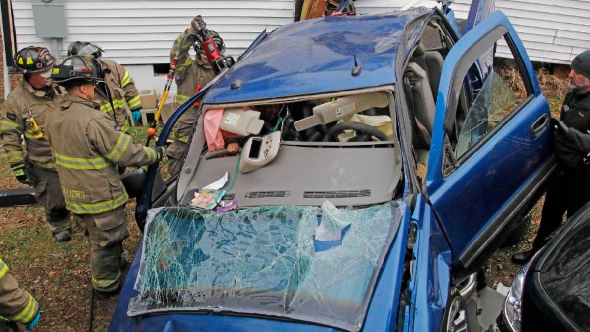 Tennessee girl, 4, two women rescued after truck crashes into home