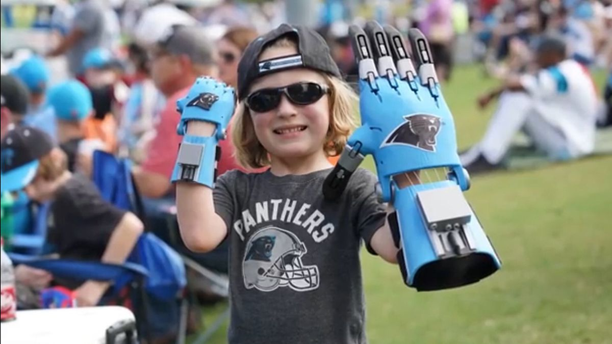 5-year-old boy makes 3D-printed hand for Panthers' Cam Newton