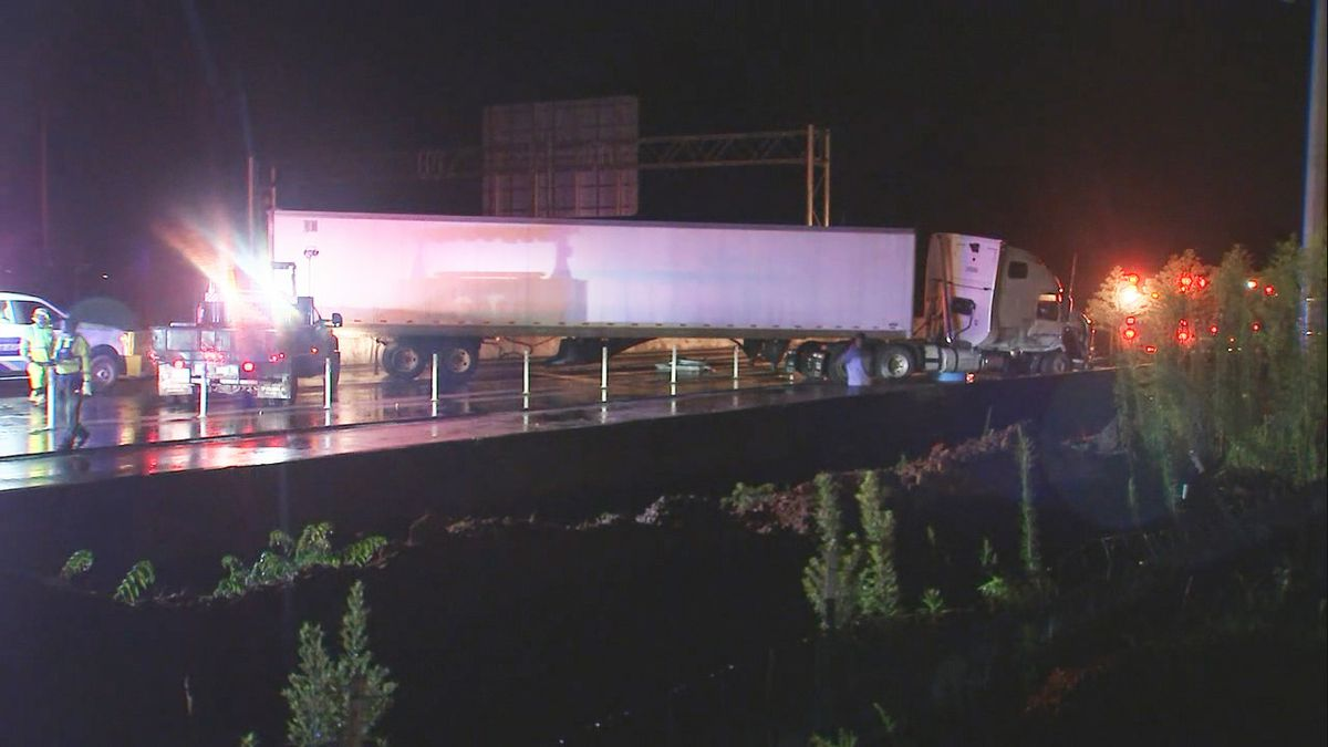 Lanes on I-77 reopen after tractor-trailer jack-knifed in Cornelius
