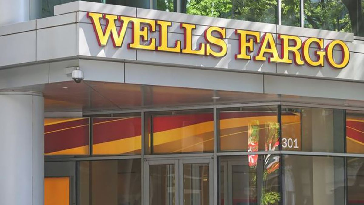 Two Wells Fargo executives begin 'leave of absence' amid investigations