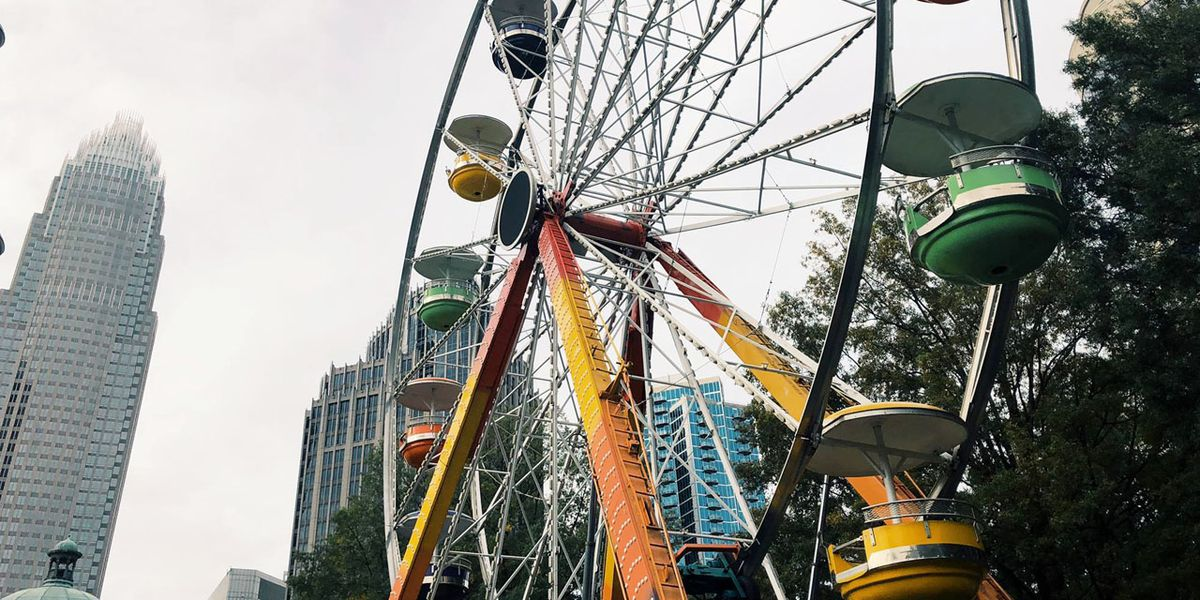 80-foot Ferris wheel returns to uptown