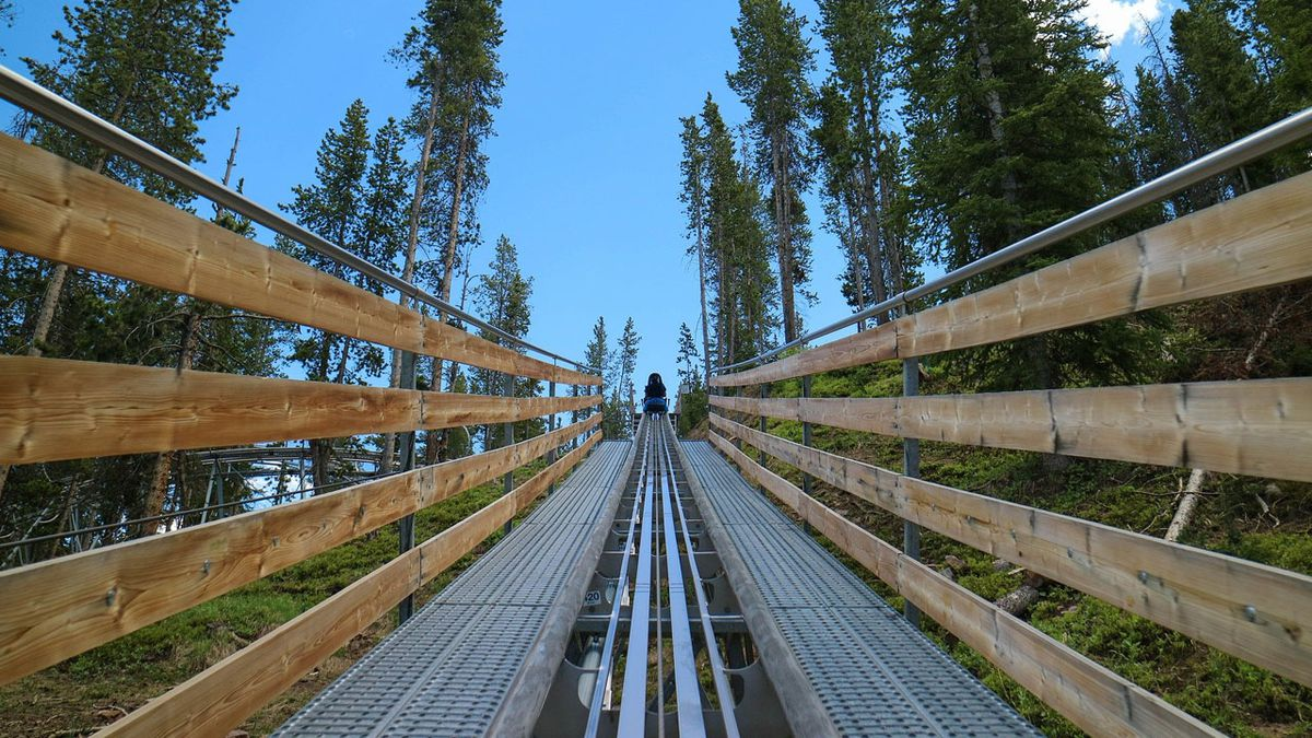 Alpine coaster opens in North Carolina mountains